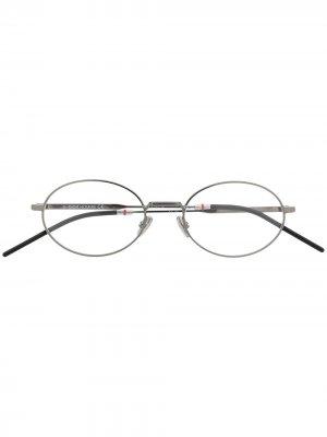 Очки в овальной оправе Dior Eyewear. Цвет: серебристый