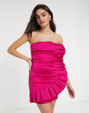 Розовое платье без бретелек с большой оборкой -Розовый Club L London