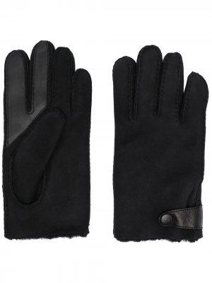 Перчатки с подкладкой UGG. Цвет: черный