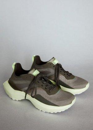 Кроссовки с прозрачными вставками - Push Mango. Цвет: хаки