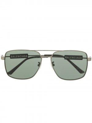 Солнцезащитные очки в квадратной оправе с логотипом Balenciaga Eyewear. Цвет: зеленый