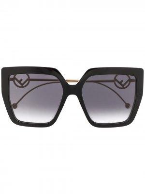 Солнцезащитные очки в массивной оправе Fendi Eyewear. Цвет: черный