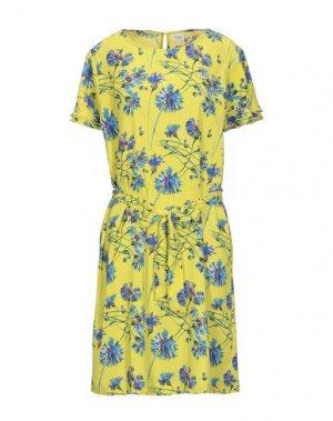 Короткое платье JACQUELINE de YONG. Цвет: кислотно-зеленый