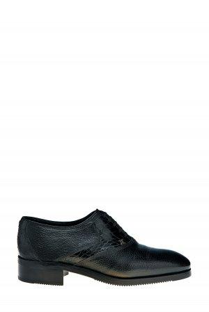 Туфли-оксфорды из фактурной зернистой кожи с подкладкой меха ARTIOLI. Цвет: черный
