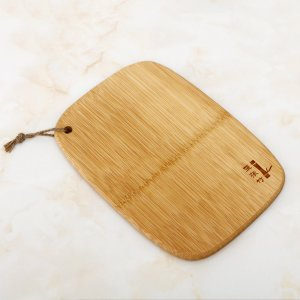 Деревянная разделочная доска SHEIN. Цвет: коричневые