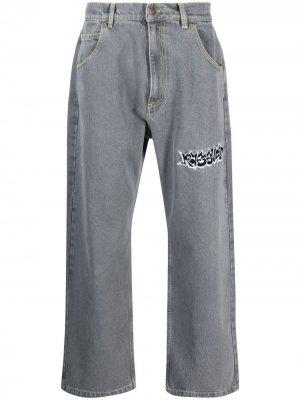 Широкие джинсы с логотипом PACCBET. Цвет: серый