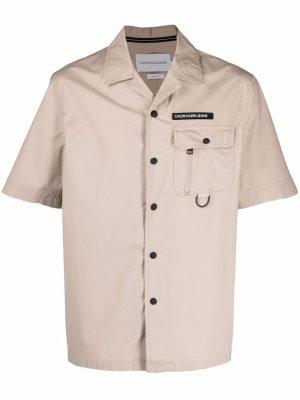 Рубашка карго с короткими рукавами Calvin Klein Jeans. Цвет: нейтральные цвета