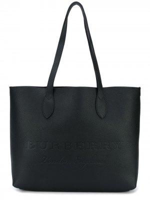 Большая тисненая сумка-тоут Burberry. Цвет: черный