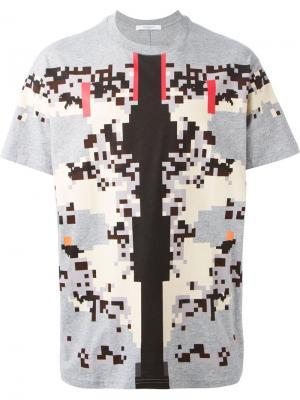 Футболки и жилеты Givenchy. Цвет: серый