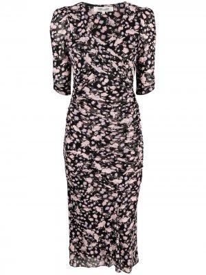 Платье со сборками и цветочным принтом DVF Diane von Furstenberg. Цвет: черный