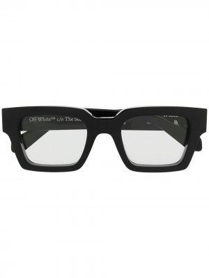 Солнцезащитные очки в квадратной оправе с логотипом Off-White. Цвет: черный