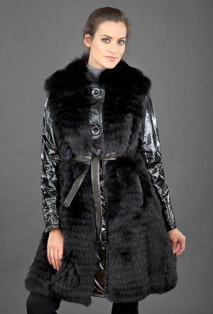 Меховое пальто женское из лисы, кролика и лаковой кожи FLO-CLO. Цвет: черный