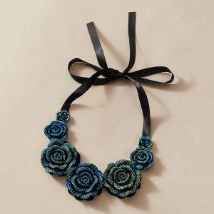 Чокер с декором цветка SHEIN. Цвет: синий