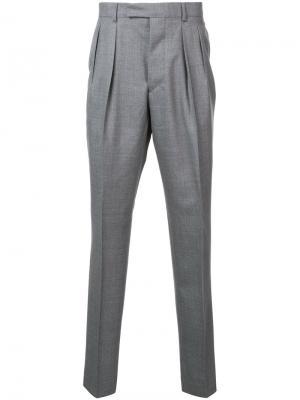 Классические брюки Officine Generale. Цвет: серый