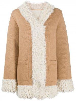 Пальто с отделкой из овчины Barrie. Цвет: коричневый