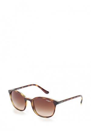 Очки солнцезащитные Vogue® Eyewear VO5051S W65613. Цвет: коричневый