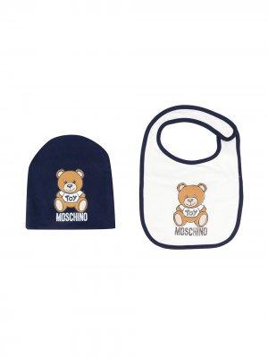 Комплект из шапки бини и нагрудника Moschino Kids. Цвет: синий