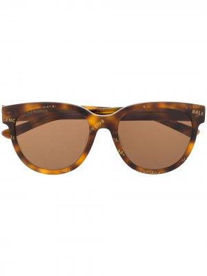 Logo print soft-round sunglasses Balenciaga Eyewear. Цвет: коричневый