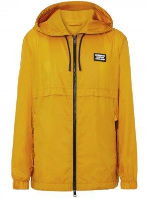Куртка с капюшоном и логотипом Burberry. Цвет: желтый