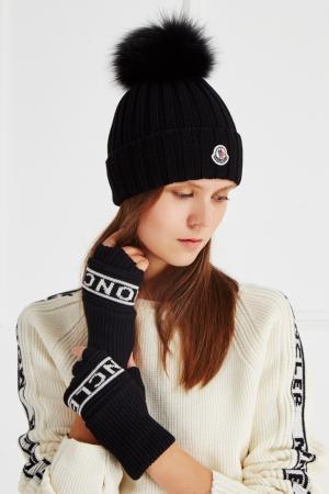 Шерстяные перчатки с логотипом Moncler. Цвет: черный
