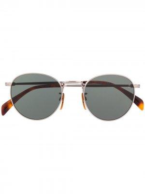 Очки в круглой оправе с затемненными линзами Eyewear by David Beckham. Цвет: серебристый