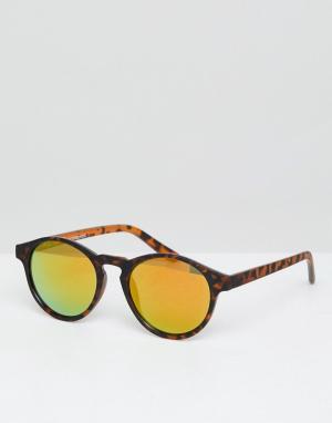 Круглые черепаховые солнцезащитные очки с зеркальными стеклами Pull&Bear. Цвет: коричневый