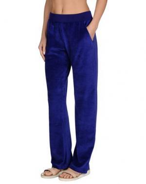 Пляжные брюки и шорты VERSACE. Цвет: фиолетовый