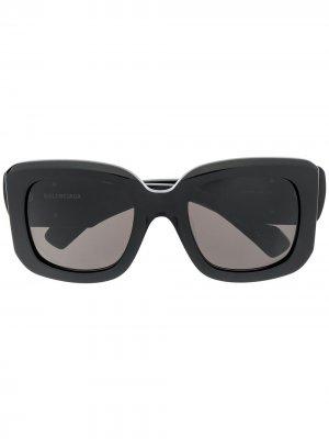 Массивные солнцезащитные очки с логотипом BB Balenciaga Eyewear. Цвет: черный