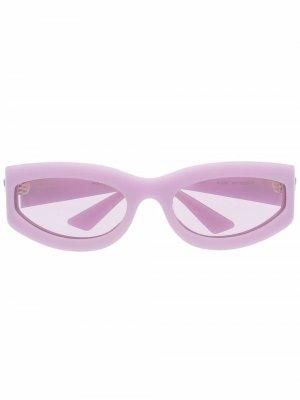 Солнцезащитные очки в овальной оправе Bottega Veneta. Цвет: фиолетовый
