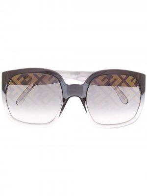 Солнцезащитные очки с логотипом на линзах Fendi Eyewear. Цвет: зеленый