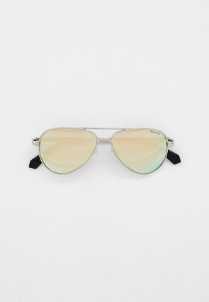 Очки солнцезащитные Polaroid. Цвет: серебряный