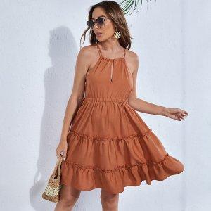 Для беременных Платье на бретелях открытой спиной с оборками SHEIN. Цвет: утомленный оранжевый