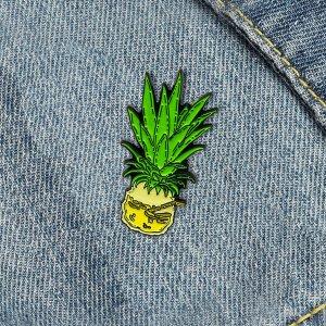 Брошь творческий ананаса SHEIN. Цвет: многоцветный