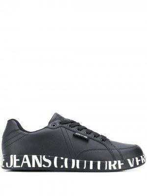 Кеды с логотипом Versace Jeans Couture. Цвет: черный