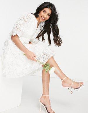 Свадебное свободное платье мини белого цвета с цветочной вышивкой-аппликацией -Белый Y.A.S