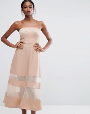 Платье макси с бандо и прозрачными вставками AQ/AQ AQ. Цвет: розовый