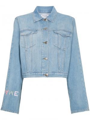 Джинсовая куртка с вышитым логотипом FRAME. Цвет: синий