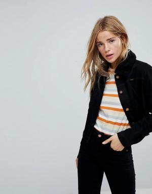 Джинсовая куртка с воротником из искусственного меха и отстроченной вс Wrangler. Цвет: черный