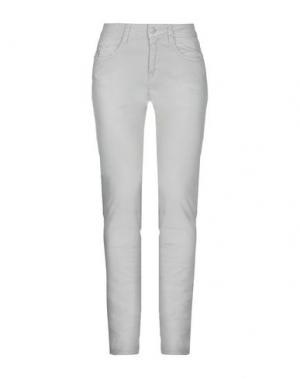 Джинсовые брюки NERO GIARDINI. Цвет: серый