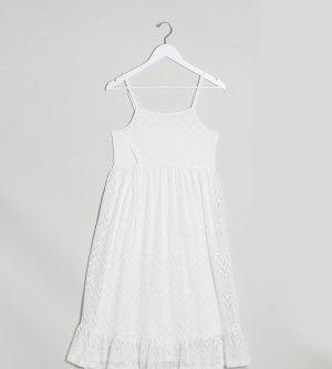 Белое платье миди на бретелях с ярусной юбкой Mamalicious-Белый Mama.licious
