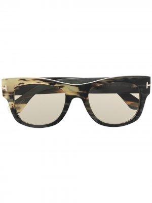 Солнцезащитные очки в квадратной оправе TOM FORD Eyewear. Цвет: коричневый