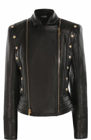 Приталенная кожаная куртка с декоративной отделкой и косой молнией Balmain. Цвет: черный