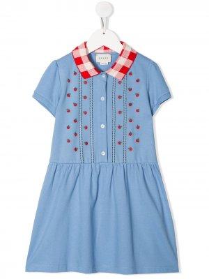 Платье с вышивкой Gucci Kids. Цвет: синий