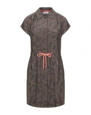 Короткое платье NÜMPH. Цвет: хаки
