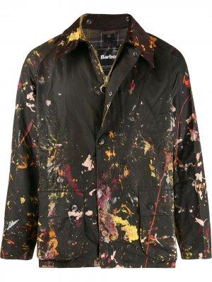 Куртка с эффектом разбрызганной краски Barbour. Цвет: коричневый