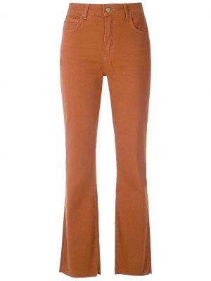 Укороченные расклешенные брюки чинос Eva. Цвет: коричневый