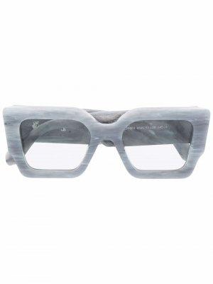 Солнцезащитные очки Catalina Off-White. Цвет: серый
