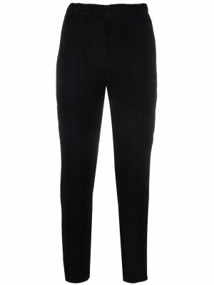 Plissé-detail cropped trousers Issey Miyake. Цвет: черный