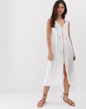 Пляжное платье макси с отделкой кроше Anmol. Цвет: белый