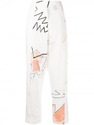 Укороченные брюки с абстрактным принтом Each X Other. Цвет: белый